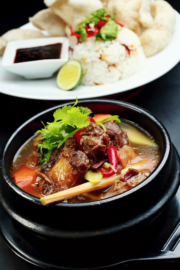 Oxtail Soup with Sushi Rice (RM 35.00 for individual portion)